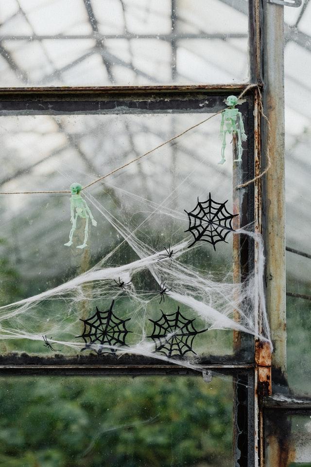 Pour un escape game spécial halloween, rien de mieux qu'une déco appropriée.